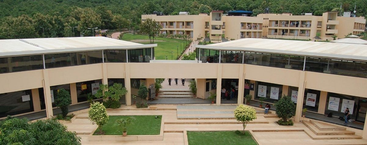 pgdm fresher with specialization in marketing Pgdm - post graduate diploma in management pgdm program is approved by aicte, ministry of hrd & government of india the program is a set of discrete terms of study, industry immersion and applied research that takes students through a developmental journey from inexperienced fresher to corporate-ready manager.